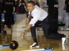 obama_bowling